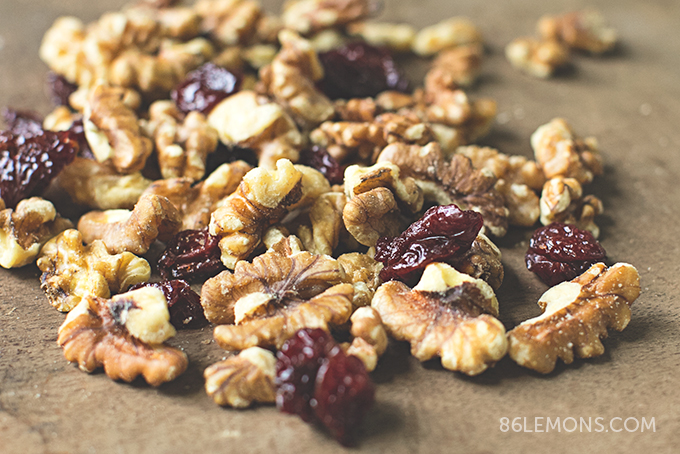 Cherry Chickpea Salad Wrap with creamy cashew dressing #vegan #glutenfree (8)