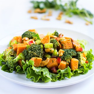 Curry Sweet Potatoes with Broccoli and Cashews (v/gf)
