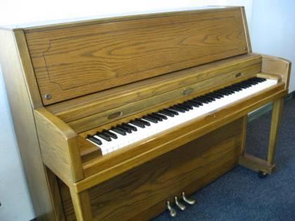 Wurlitzer model 2960 Studio Upright Piano