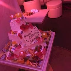 池袋JK制服キャバクラはちみつくろーばー こころ バースデーケーキ