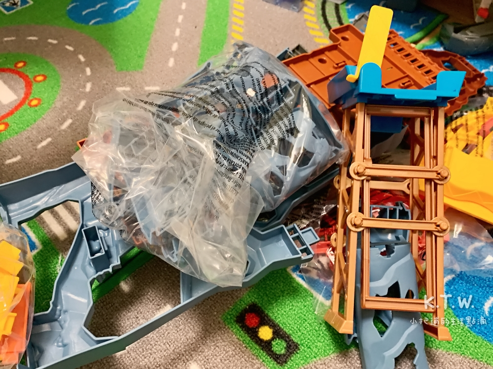 湯瑪士多多島瘋狂衝刺遊戲組 零件