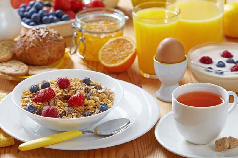 Плотный завтрак и лёгкий ужин влияют на уровень сахара