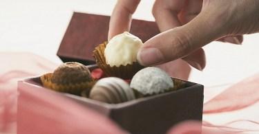Стресс активирует нейроны, вызывающие тягу к сладкому