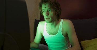 Вечерний просмотр фильмов может нарушить сон