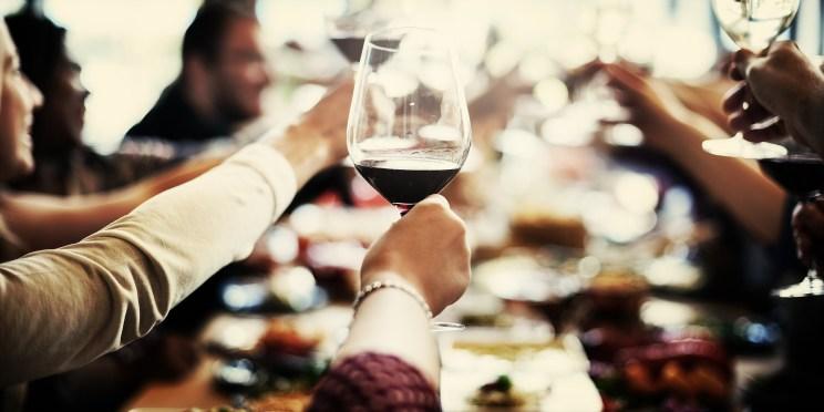 餐前酒 以刺激食慾 也稱作開胃酒