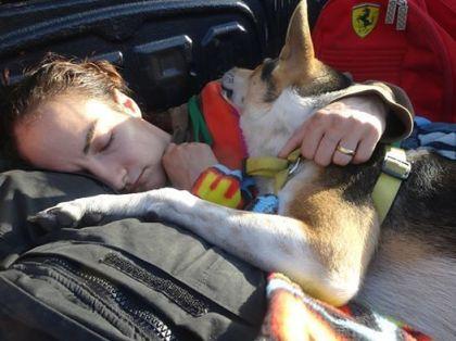 Fight 91 - Sylvie sleeping with Jai Dee in truck - Muay Thai