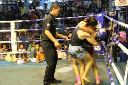 100th fight - Sylvie von Duuglas-Ittu vs Yodcherry Sityodtong - Thepprasit
