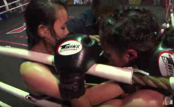 Nong Ying and Sylvie - Female Muay Thai Fighers-w1400