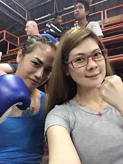 angie fight 5-w1400
