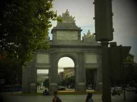 トレド門00_1日目① スペイン・マドリード到着_ある日本人観光客のスペイン旅行記