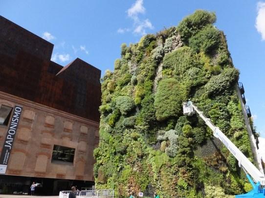 プラド通り建物00_3日目2ムセオデルハモン_ある日本人観光客のスペイン旅行記