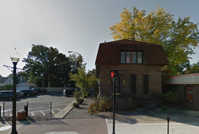 The now-demolished residential building at 413 W. Nine Mile, via Google Maps