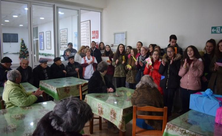 Vizitë Dashurie në Azilen e Gjirokastrës