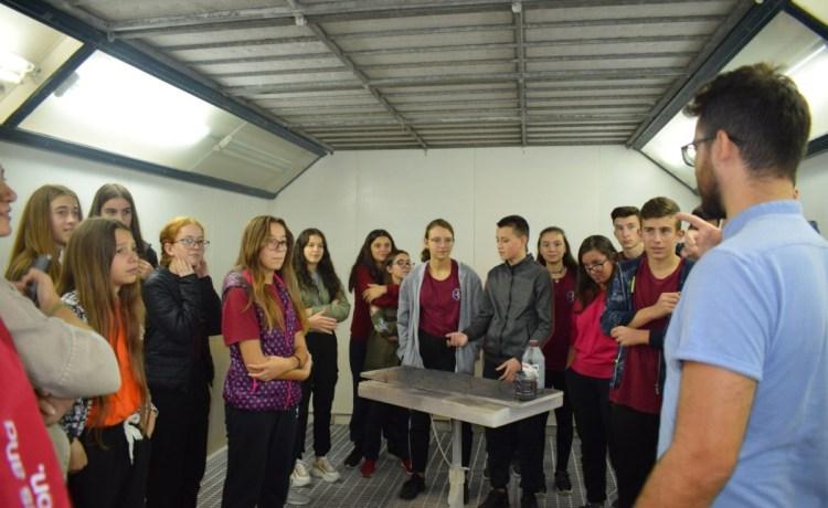 Vizitë në një marangozi (klasa IX)