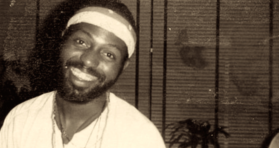 On the anniversary of Frankie Knuckles' untimely passing, check out this interview with the house music legend from 1995