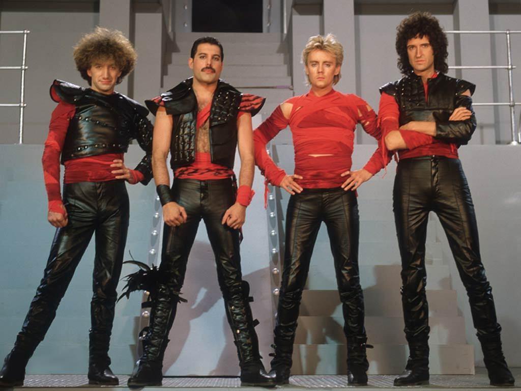 THROWBACK THURSDAY: Queen – Football Fight (1980)
