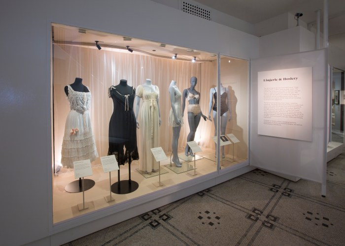 5._Installation_view_of_Undressed_A_Brief_History_of_Underwear_16_April_2016_-_12_March_2017_c_Victoria_and_Albert_Museum_London.jpg?fit=700%2C500