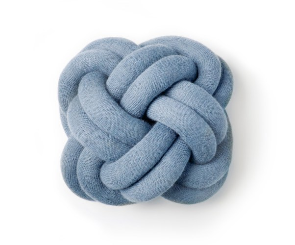 Knot_cushion_blue_iso.jpg?fit=602%2C500
