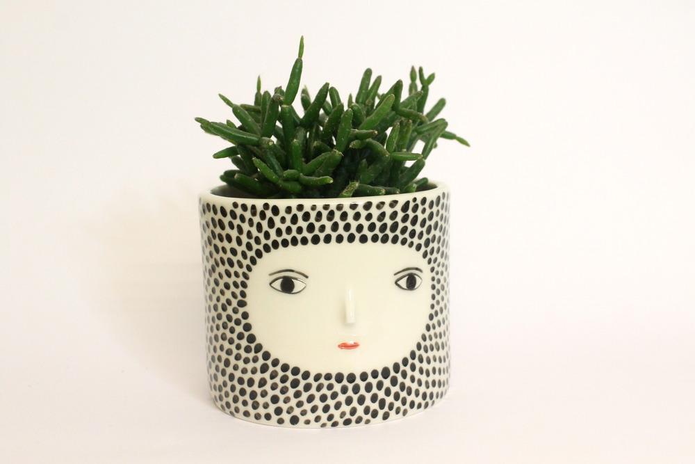 Planter por el ceramista Kinska para la instalación Clay & Glaze. Foto: Cortesía de Kinska.