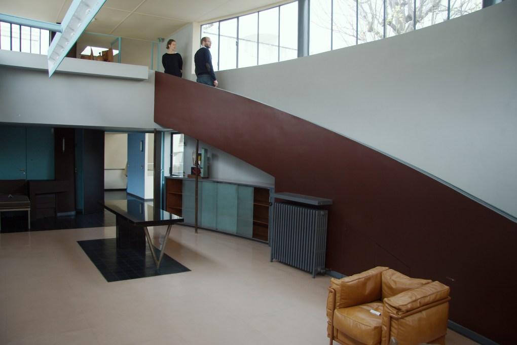 Maison La Roche fue diseñada por Le Corbusier y su primo Pierre Jeanneret de 1923 a 1925 para el banquero suizo y coleccionista de arte avante-garde, Raoul La Roche. Localizada en París, hoy en día es la sede de la Fondation Le Corbusier.