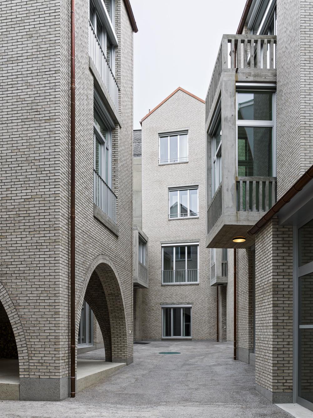 Patio interior. Diseño: Buol & Zünd Foto: Georg Aerni