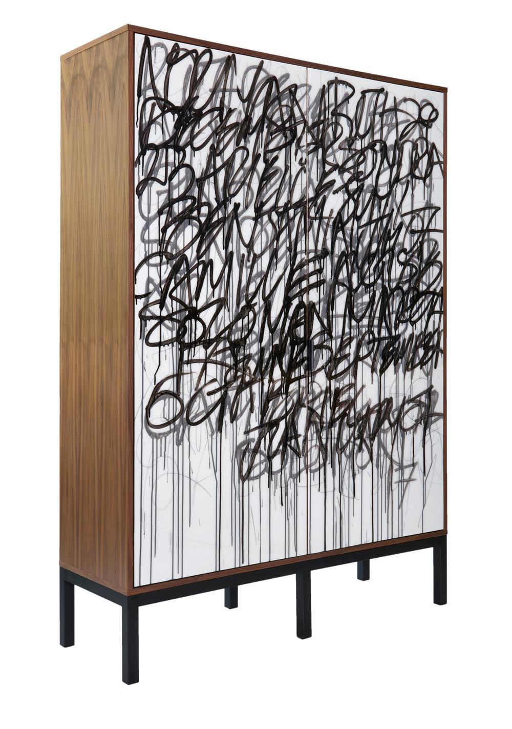 IDS17 MAKER, Graffiti Cabinet de madera hecho a mano de Morgan Clayhill Foto: Morgan Clayhill