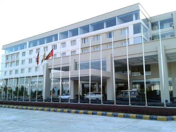 Das sehr große Hotel