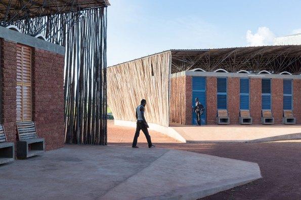 Escuela secundaria Lycée Schorge. Foto: Iwan Baan, Kéré Architecture