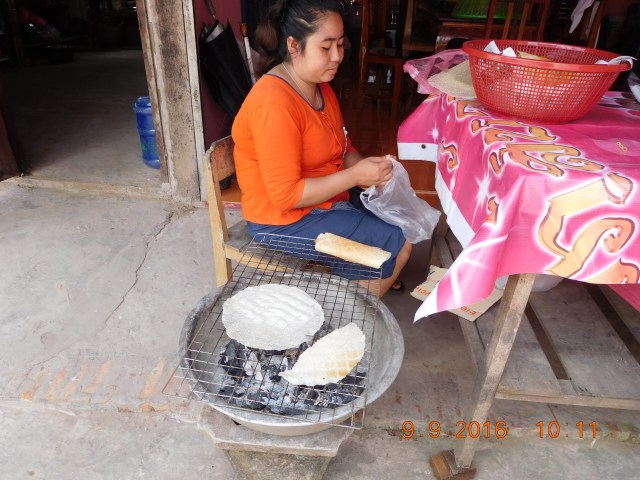The Lao rice crispy - roasted