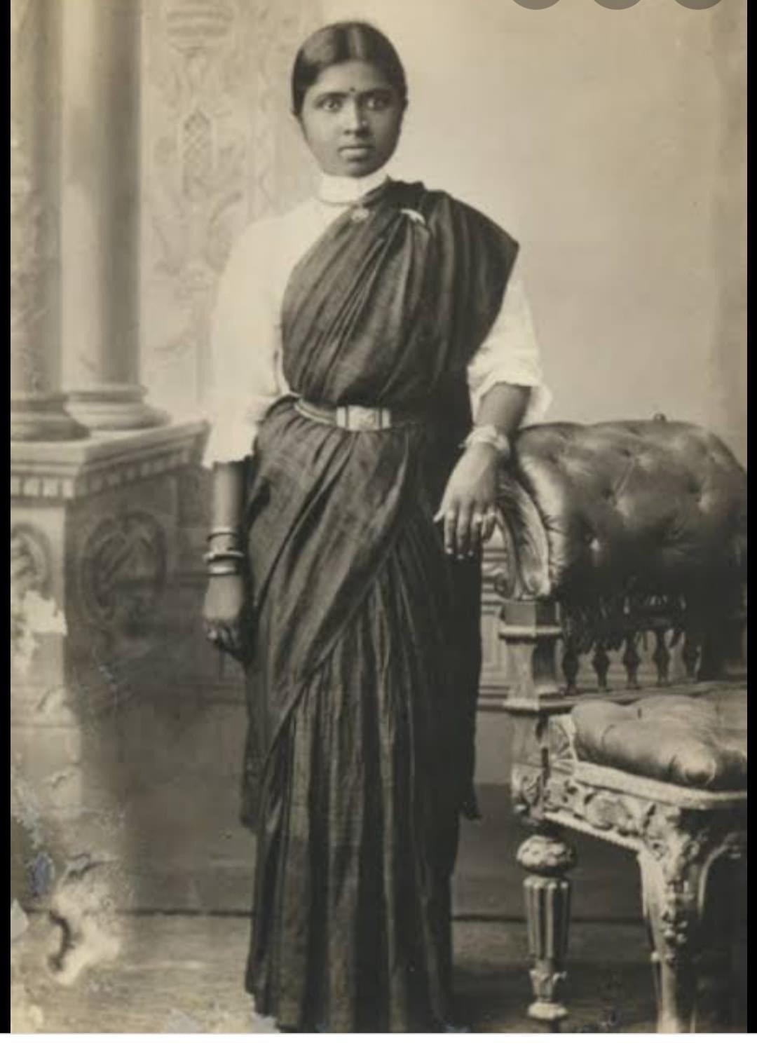 Idol - Dr. Muthulakshmi Reddy