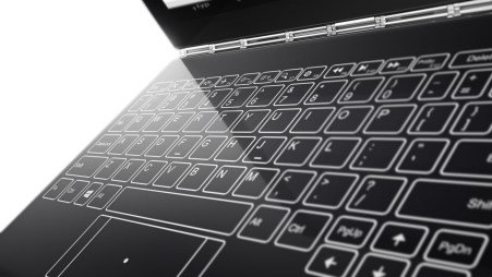 Lenovo Yoga Book i Halo Keyboard - fot. mat. pras.
