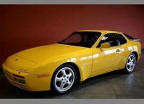 yellow porsche 944