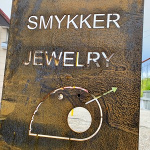 Look for my SMYKKER sign in Lofoten
