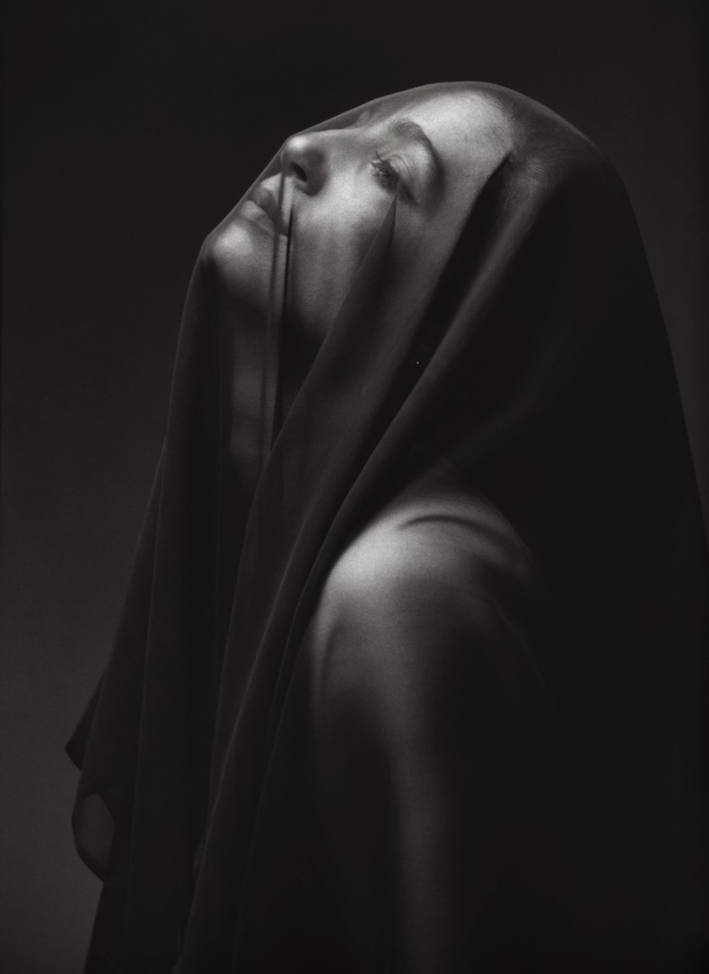 woman_with_veil_by_marciomartins.jpg