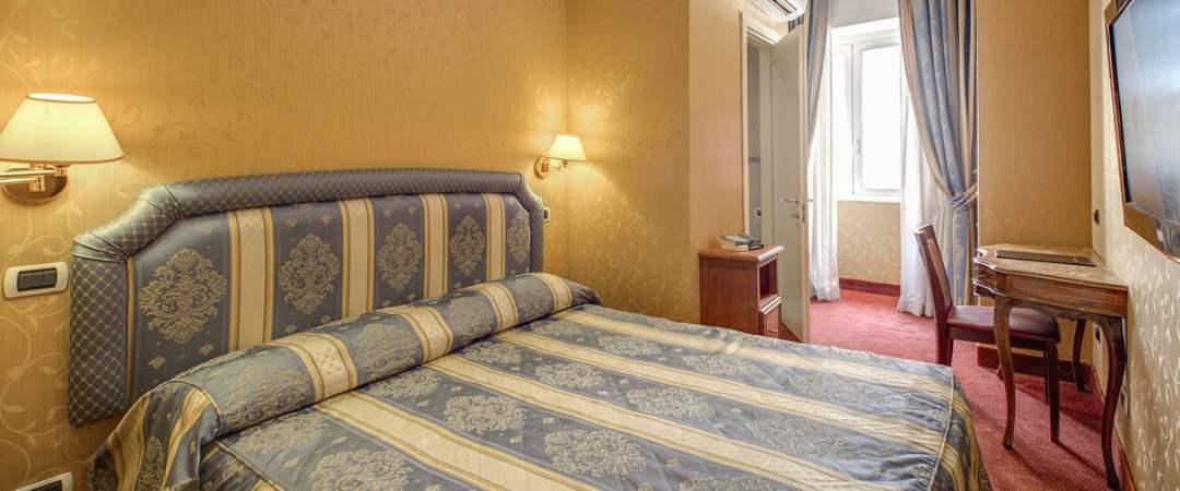 939 Hotel Matrimonial Room