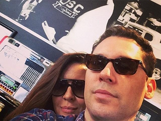 El realizador de 'X-Men', 'The Usual Suspects' y 'Superman Returns' compró una vivienda próxima a la suya en West Hollywood para que la madre, embarazada de cerca de 7 meses, resida a partir de ahora. (Especial)