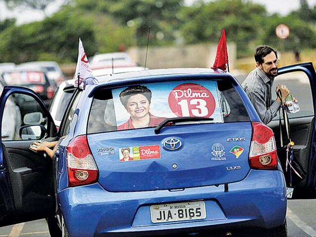 La presidenta Dilma Rousseff es la favorita para la segunda vuelta electoral en Brasil, que se realizará el próximo domingo. Foto: AP