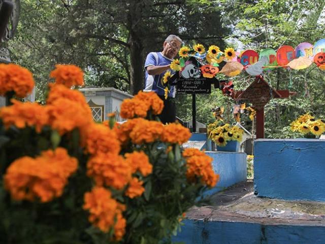 La delegación Cuajimalpa implementará un operativo especial por Día de Muertos. Foto Archivo