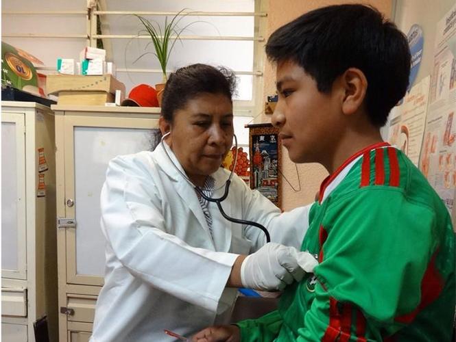 La administración capitalina lleva a cabo el programa Sectorial de Salud del Distrito Federal 2013-2018.