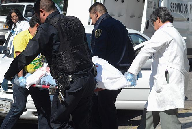 Un hombre y una mujer fueron baleados en la calle Ferrocarril Hidalgo, en la colonia Vasco de Quiroga. Foto Cuartoscuro