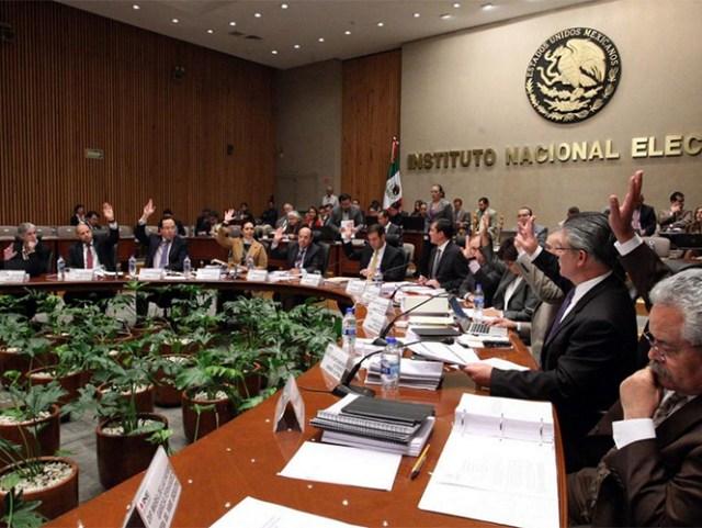 Aprobó nombramientos de las Unidades de Vinculación con los OPLEs, la Unidad de lo Contencioso y de los nuevos directores de Administración y, Prerrogativas y Partidos Políticos.