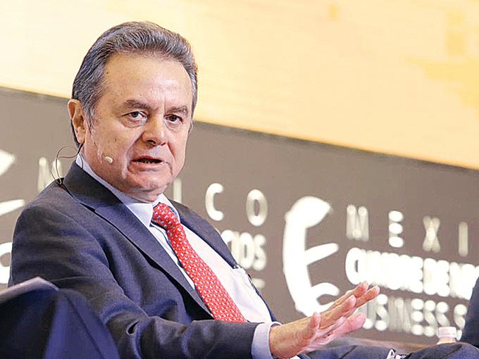 Pedro Joaquín Coldwell, secretario de Energía, destacó que los 169 bloques petroleros incluidos en la Ronda Uno se terminarán de licitar en 2015 y las prebases se llevarán a cabo por tipo de yacimiento. Foto: Paola Hidalgo