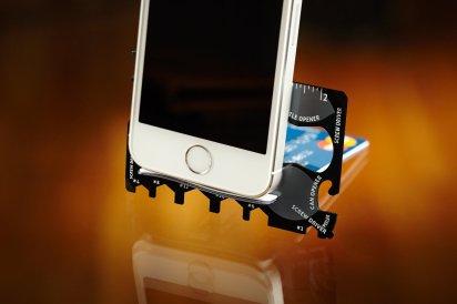 multi-tool-pocket-tool-wallet-ninja-phone-stand