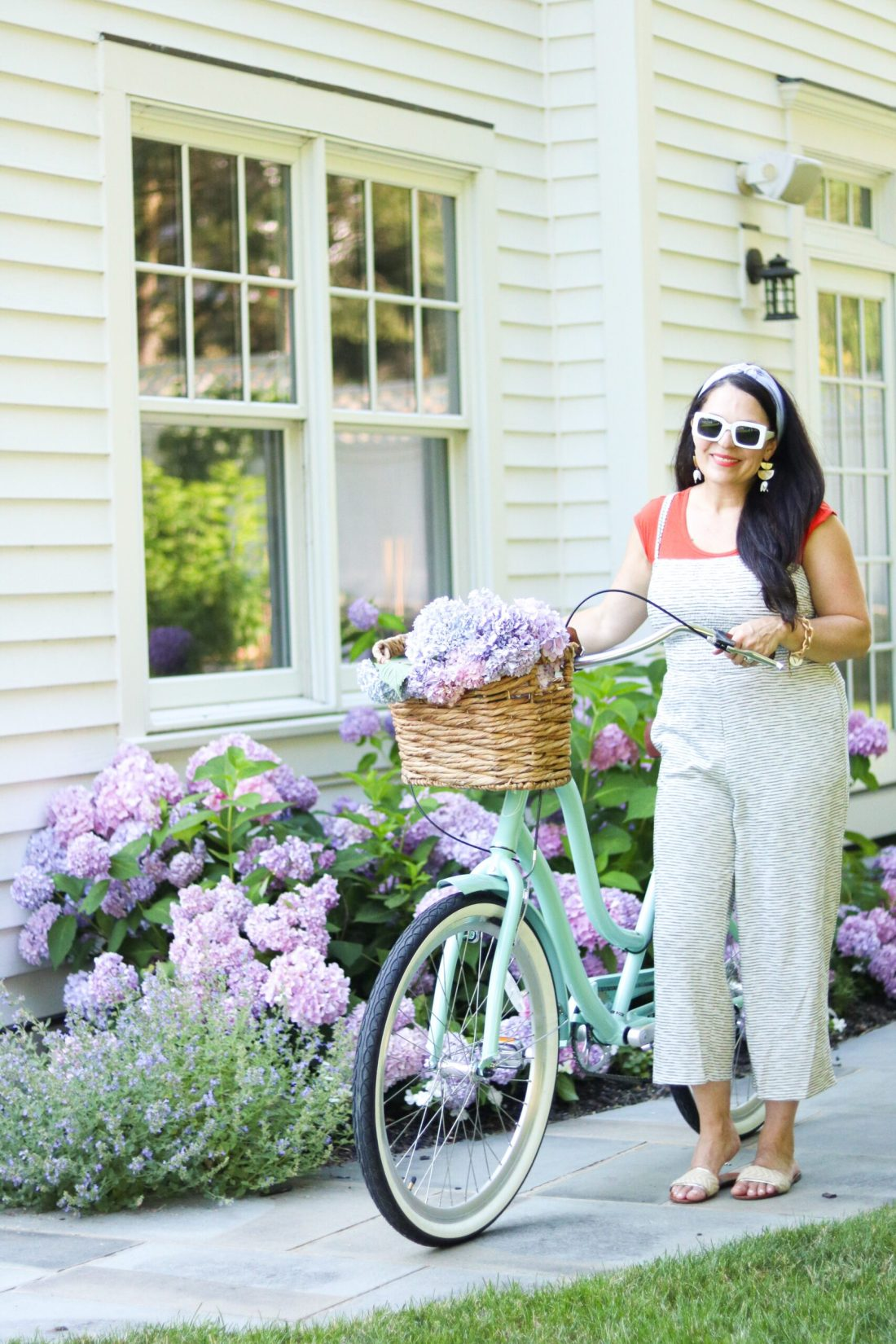 Cutest bike cruiser to enjoy at the beach, around the neighborhood, or the city    Darling Darleen Top CT lifestyle blogger 3 favorite simple summer activities that we like to do as a family and is budget friendly will create lasting memories.    DARLING darleen Top CT Lifestyle Blogger
