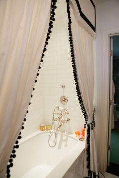 Beautiful Black And White Shower Curtains Design Ideas 20