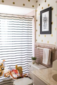 Beautiful Black And White Shower Curtains Design Ideas 40
