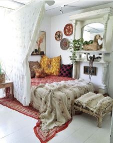 Comfy Boho Chic Style Bedroom Design Ideas 09