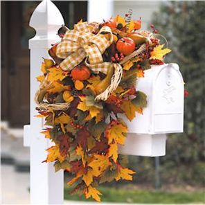 Easy But Inspiring Outdoor Fall Decoration Ideas 05