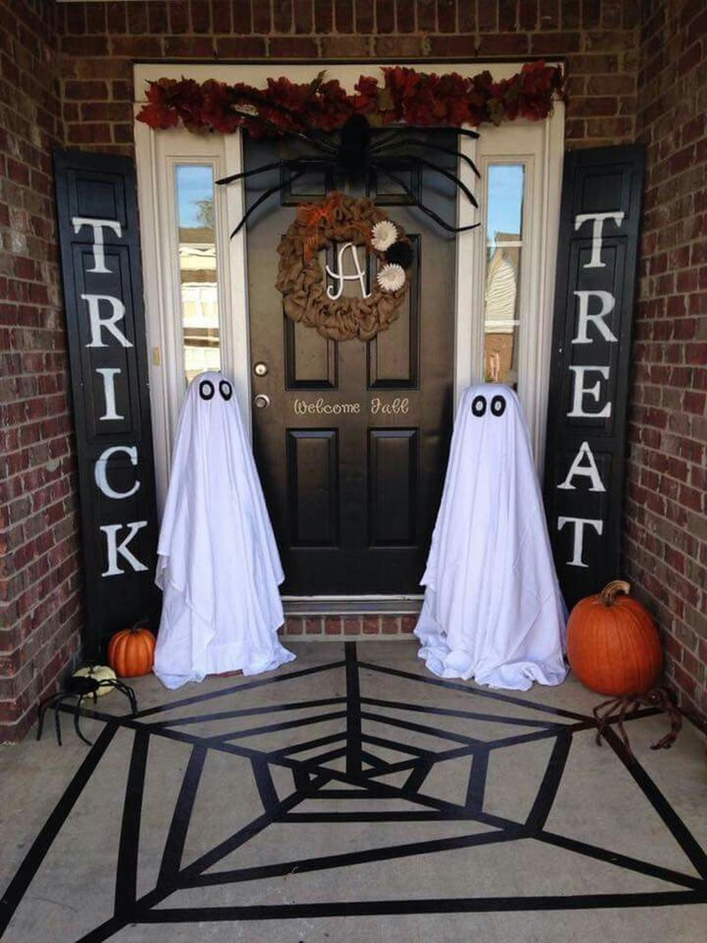 Easy But Inspiring Outdoor Fall Decoration Ideas 55