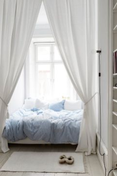 Inexpensive Romantic Bedroom Design Ideas You Will Totally Love 02